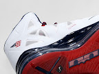 usabasketball lebron10 gold medal 03 USA Basketball