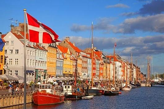 Denmark-Copenhagen-docks1