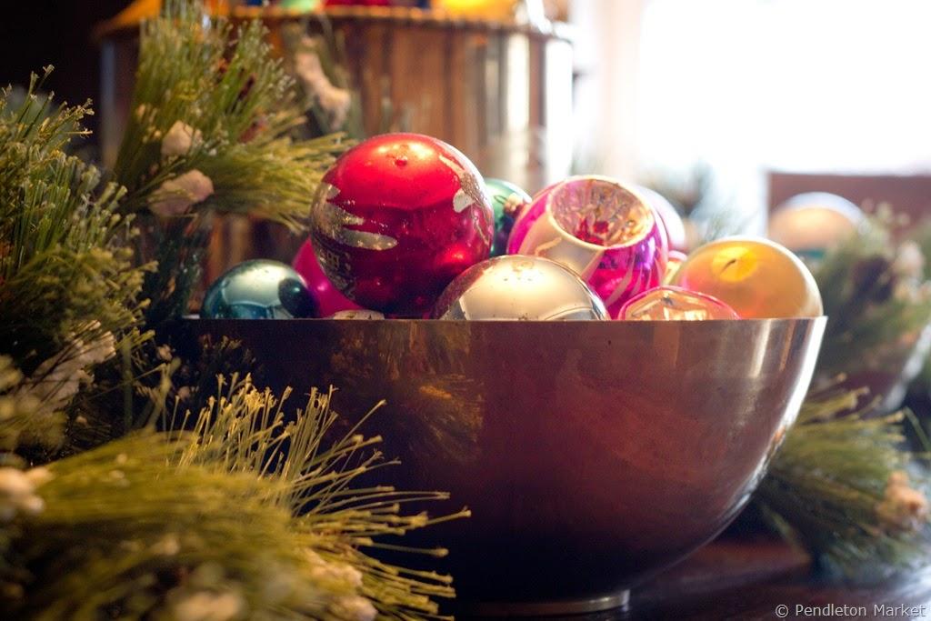 [Christmas2014_DiningRoom-11%255B6%255D.jpg]