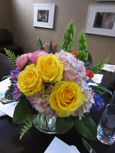 spring centerpiece | Ideas in Bloom