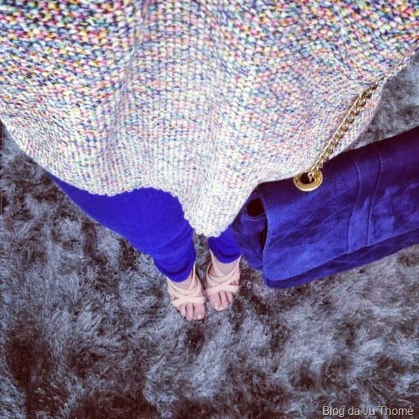 look calça azul, tricot colorido zara e sandalia nude (1)