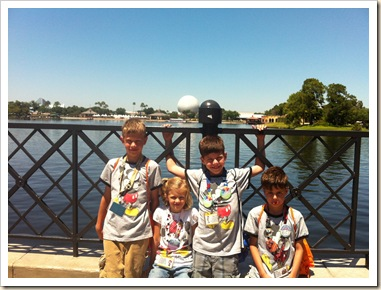 4 kids at epcot
