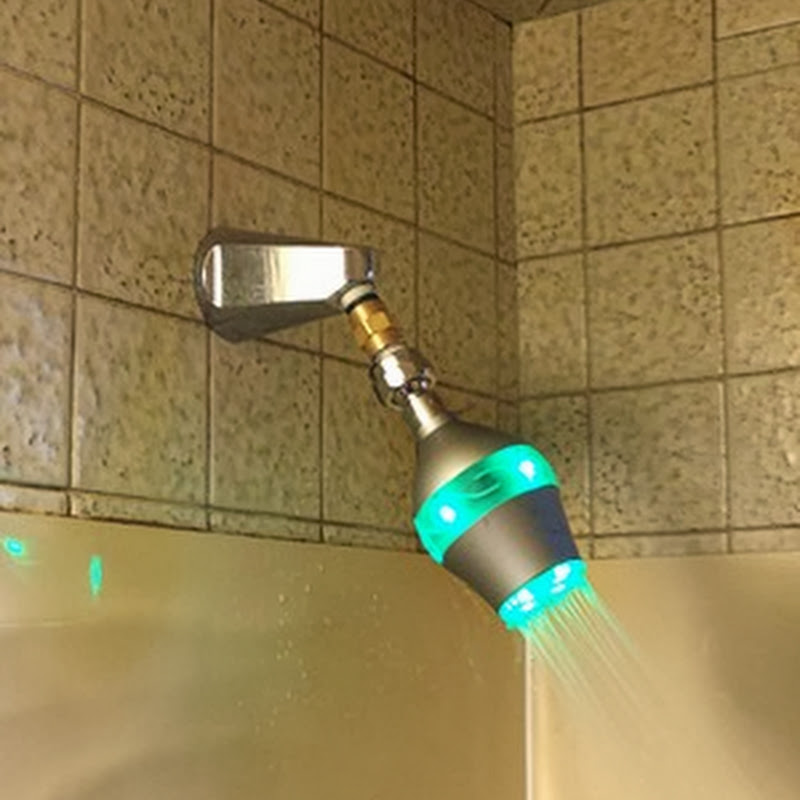 Ducha inteligente cambia de color para avisarte que ya has usado suficiente agua.