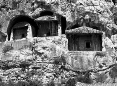 Amasya kral mezarları