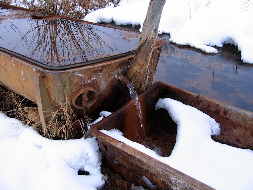 An interesting well near the Red Ledges