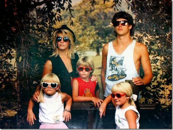 creepy-family-portrait-7