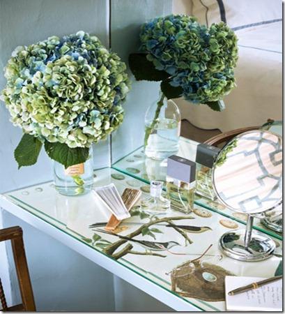 hbx-schultz-makeover-mirror-vanity-0311-de-24553966housebeautiful