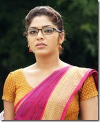 rima-kallingal-in-saree-cute-pics