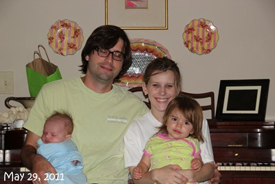 (103) Family Picture (May 29, 2011)_20110529_001