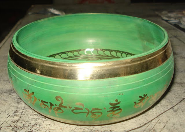 Green gulpa singing Bowl 