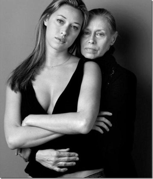 models-pose-moms-15