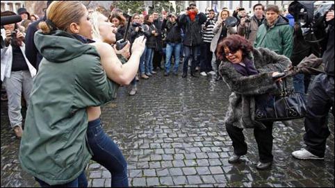 protesto Femen no Vaticano
