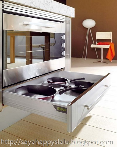 under-oven-kitchen-drawers-2