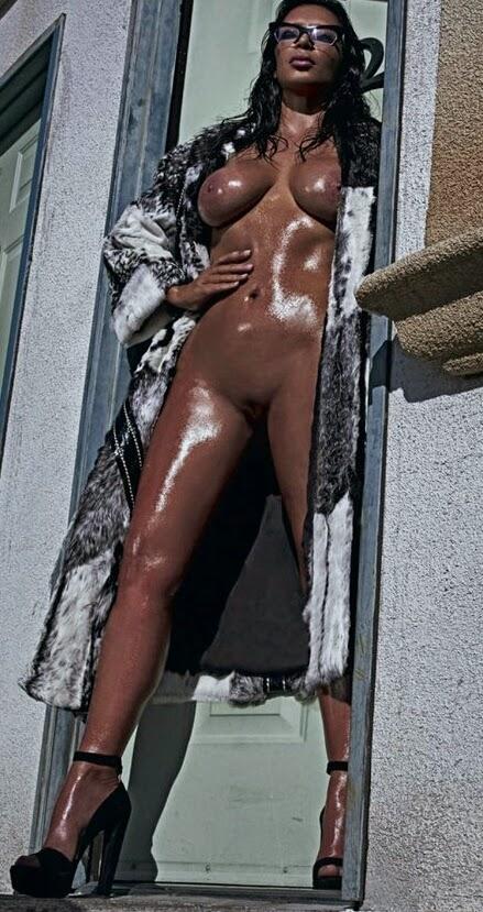Фото голая ким кардашьян