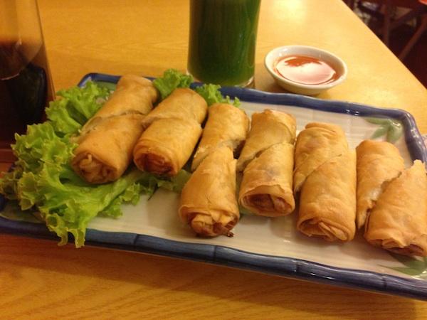 Restoran Vegetarian - spring rolls