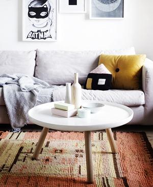 weekdaycarnival_livingroom