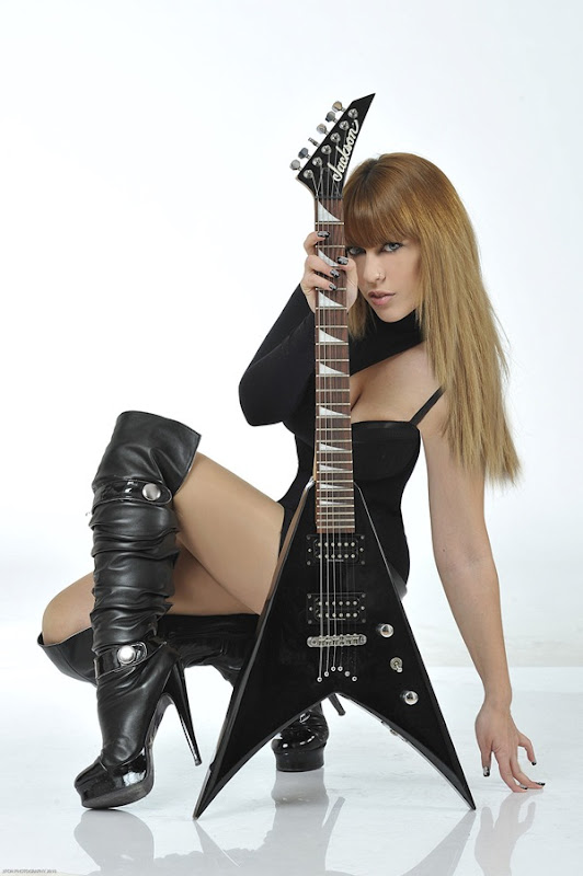 Tanith Isis 6