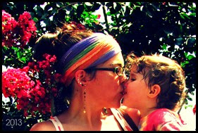 me ava flower tree kiss