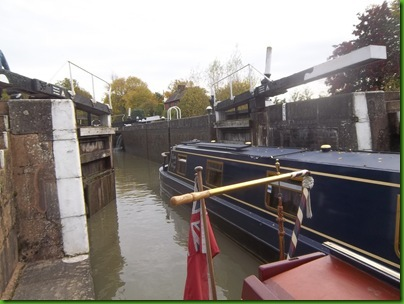 017  Entering the lower chamber of Bascote Staircase Lock