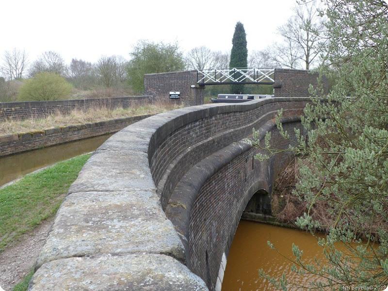 SAM_0005 Pool Aqueduct