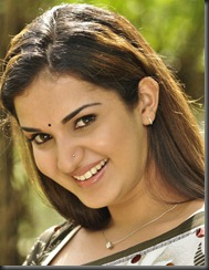 Actress Honey Rose in Chatriyavamsam Movie Stills