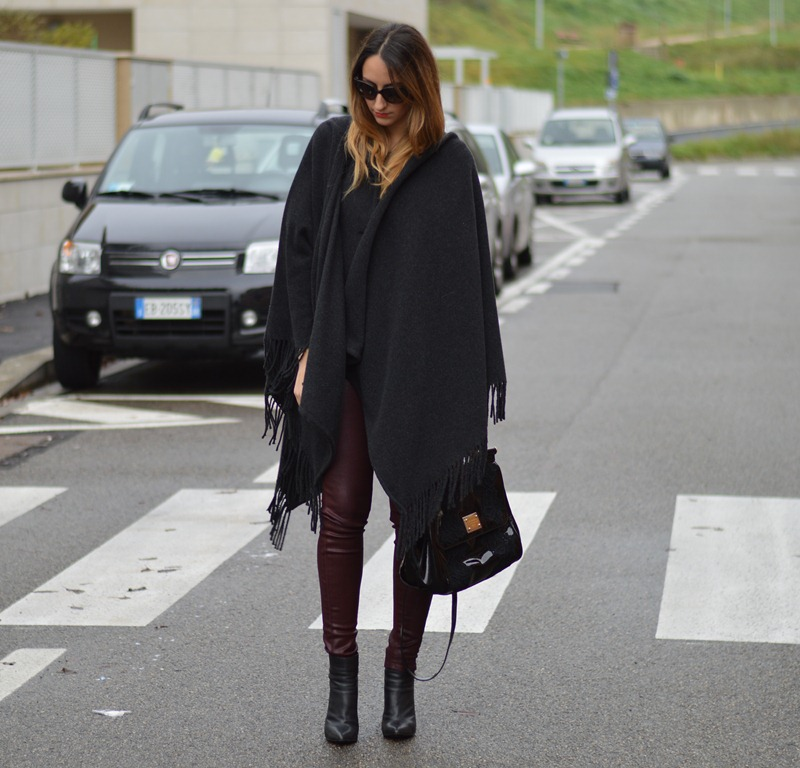 Burgundy, Rinascimento, Cappa Rinascimento, Cappotti di Rinascimento, Zara, Zara shoes, Scarpe di Zara, Miss Sicily, Dolce & Gabbana bag, fashion blogger, fashion blogger italiane, fashion blogger firenze
