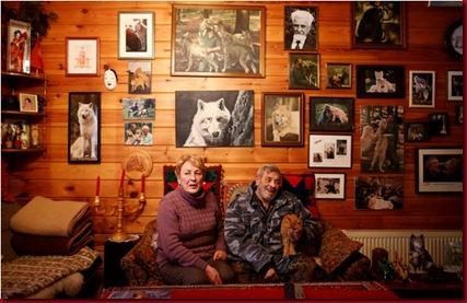 Foto Freund Si Manusia Serigala Asal Jerman dan istri