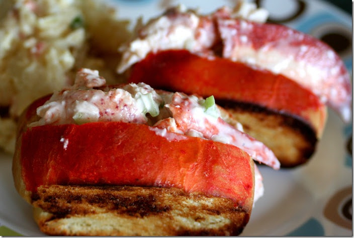 Cook Lisa Cook: Wicked Good New England Lobster Roll