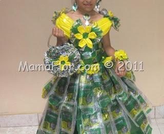 Vestido de Princesa hecho con Materiales Reciclados