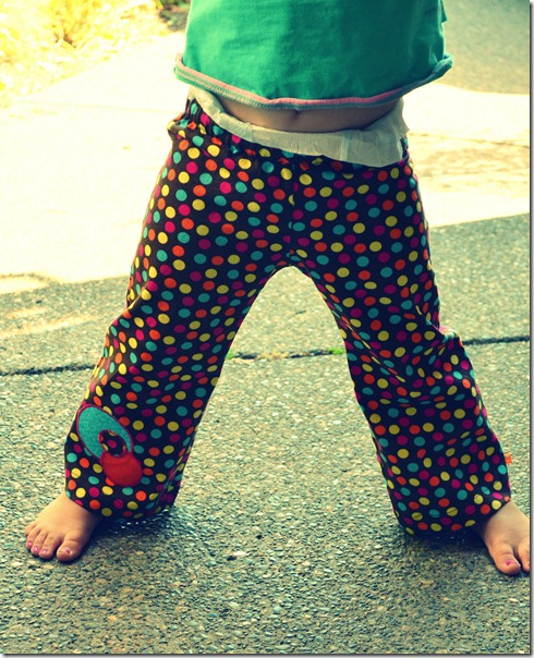 Morning Walk, Lu's polka-dot pants 024