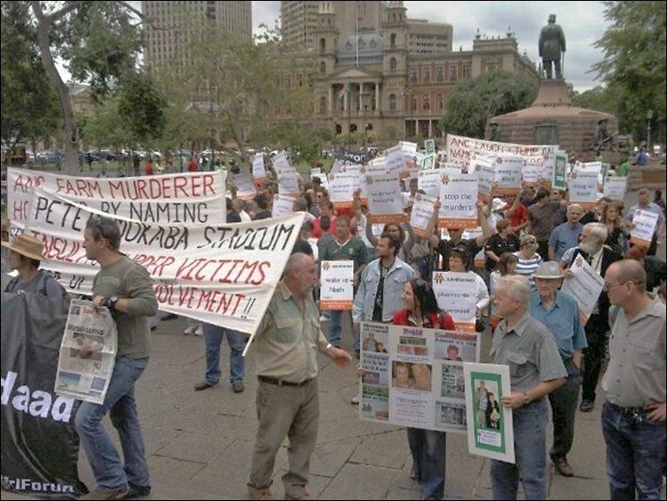 AFRIKANERS PROTESTOPTOCHT TEGEN MOORDEN KERKPLEIN PRETORIA DES 1 2012