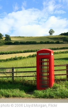 'Scenic Telephone Box' photo (c) 2006, Lloyd Morgan - license: http://creativecommons.org/licenses/by-sa/2.0/