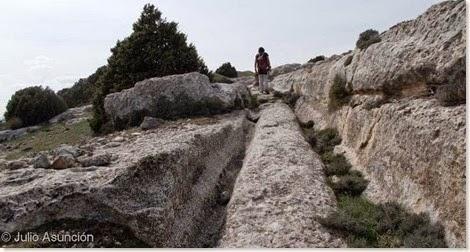 Calzada con rodadas del Castellar de Meca - Ayora