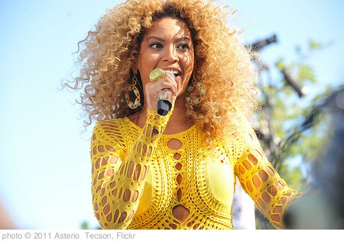 'BEYONCE  CONCERT IN CENTRAL PARK  2011    /    Good Morning America's Summer Concert Series      -   Central Park, Manhattan NYC     -       07/01/11' photo (c) 2011, Asterio  Tecson - license: http://creativecommons.org/licenses/by-sa/2.0/