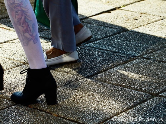 feet_20110921_white