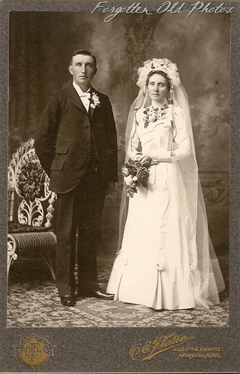 Wedding 1900 Flaten in Moorhead DL Antiques