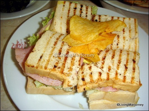 Figaro club sandwiches