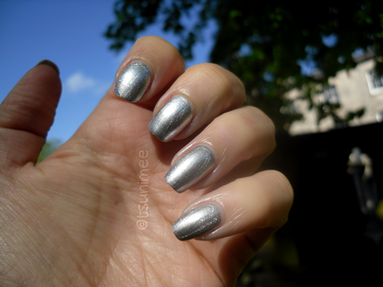 010rimmel-yourmajesty-nail-polish