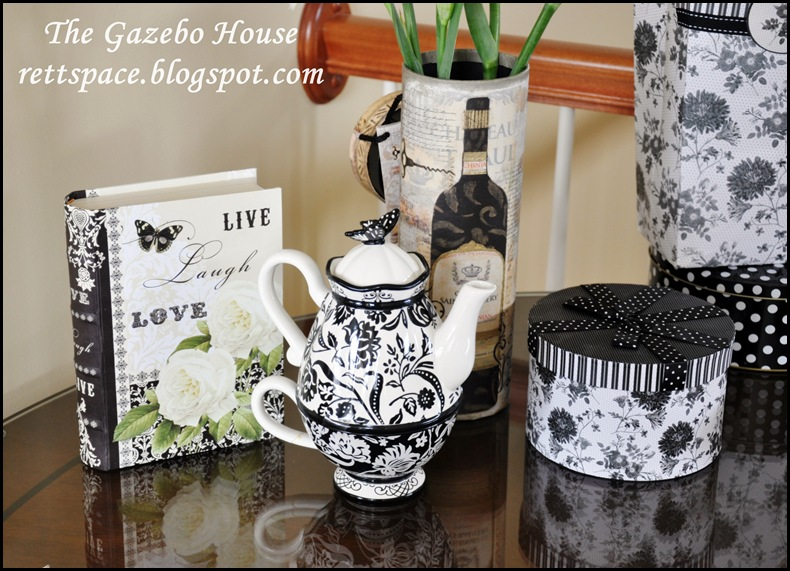 black & white damask table 011
