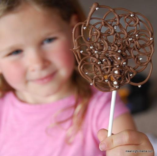 chocolate swirl lollipops 2