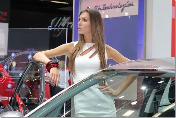 Belos carros e garotas no salão do automovel em Frankfurt (18)
