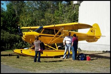 Seaplane fly in 056