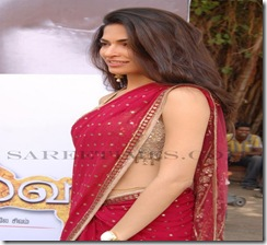 Parvathy_Omanakuttan_Designer_Sareess (1)