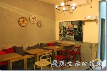 台南-晚起餐館(get late)的環境及餐桌佈置,老實說桌面稍微有點小。