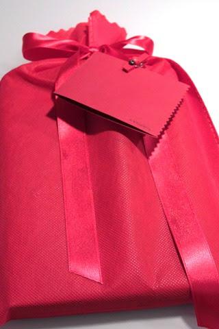 Pacco regalo rosso