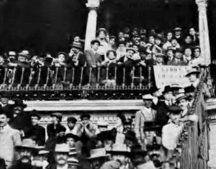 1909-05-27 (Los toros y el teatro) Protestas Sevilla