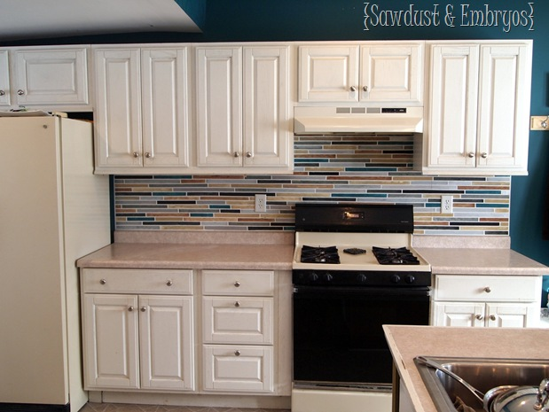 PAINT your backsplash to look like TILE!!! {Sawdust and Embryos}
