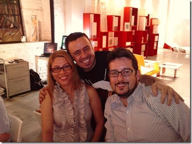 A DESIGNER DE INTERIORES VANESSA DE MANI, ENRIQUE RODRIGUEZ E O ARQUITTO ROBSON GONZALES 01