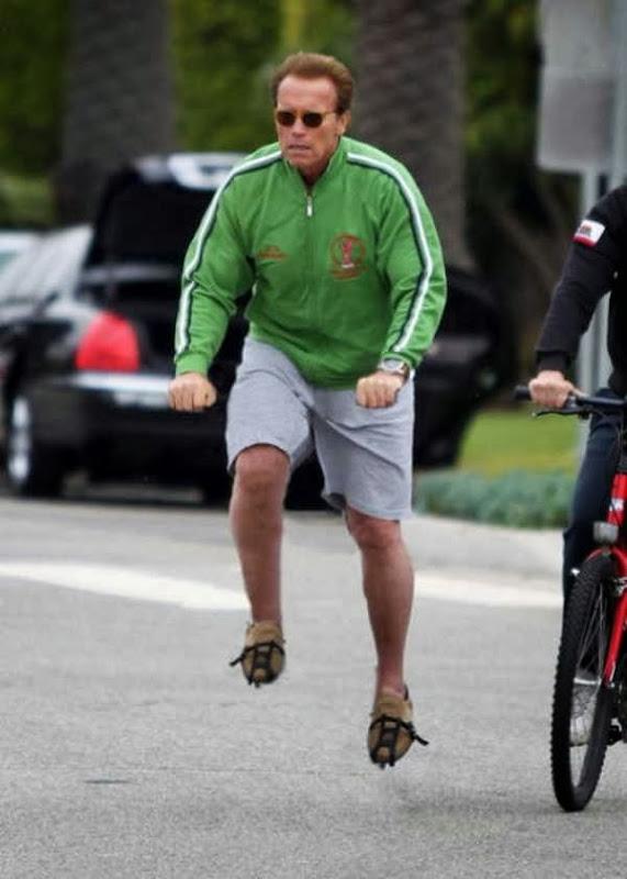 Pessoas andando em bicicleta invisíveis 29