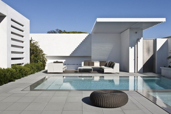 Casa-minimalista-con-piscina-Harborview-Hills